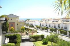 Apartamento de 2 dormitorios en Cabo Pino. ( Marbella ) Ref : 420