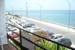 Apartamento en 1ª linea de playa en Torreblanca ( Fuengirola ) Ref : 415