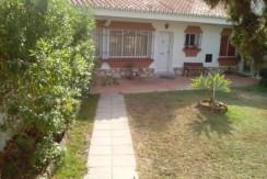 Casa con parcela de 190 M2 situada en Los Pacos ( Fuengirola ) Ref : 1704